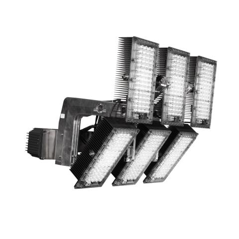 The ECOBLAST sports floodlight is compatible with the existing supporting structure and cabling.